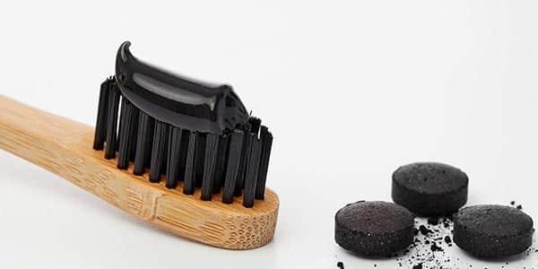 albire-dentara-acasa-cu-pasta-de-dinti